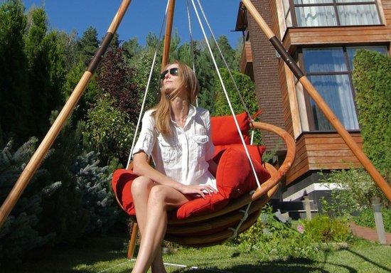 Подвесное деревянное кресло качели с подушками - комплект МАЙЯ SET фото