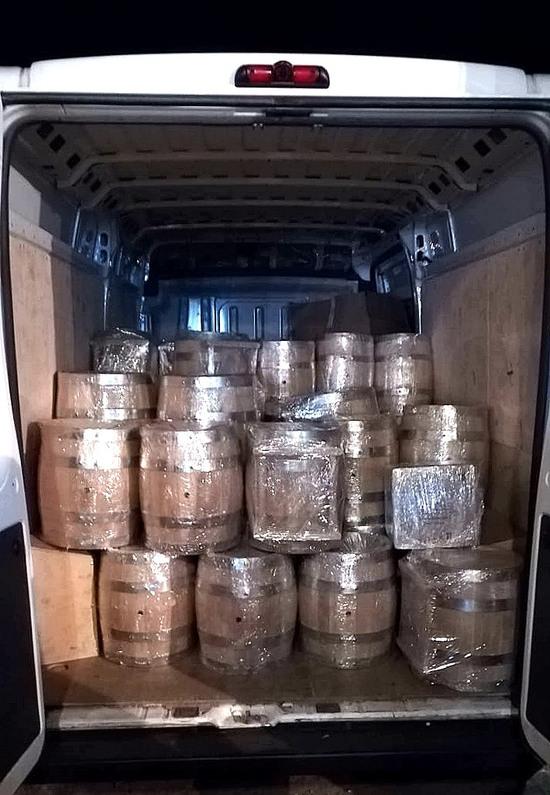 Фото №4 Дубовая бочка 225 литров (Колотый дуб)