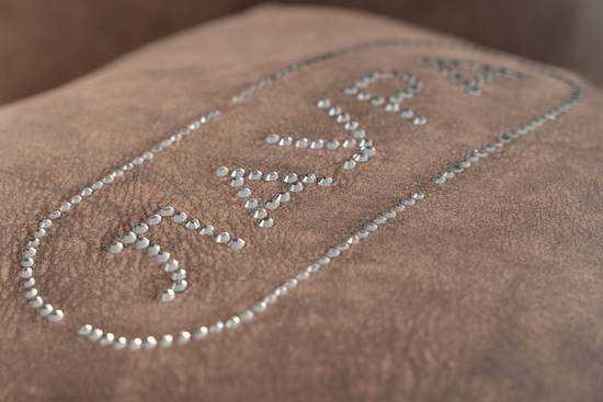 фото Комплект подушек со стразами