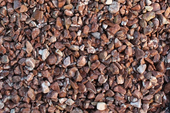 Щебень крошка розовый (мрамор) фр. 5-10 мм, 10-20 мм, 20-40 мм фото