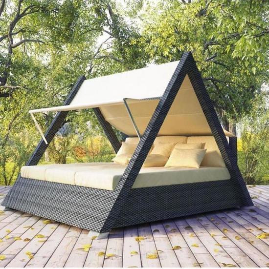 Фото №2 Треугольная беседка со спальным местом