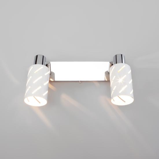 Фото №4 Настенный светильник с поворотными плафонами 20090/2 белый/хром