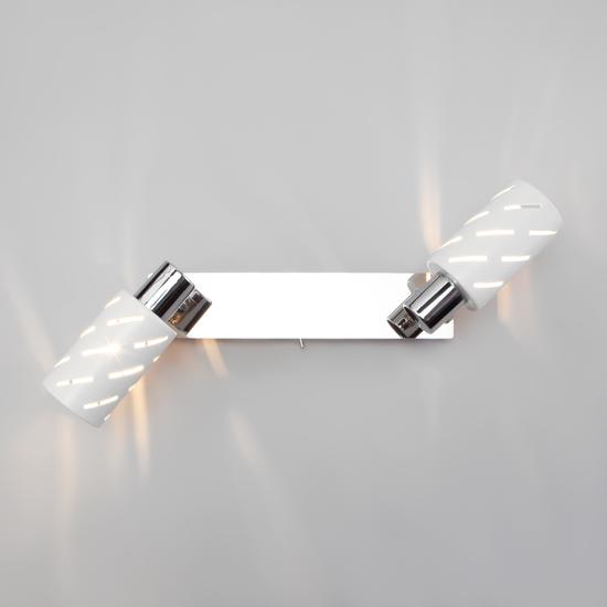 Фото №5 Настенный светильник с поворотными плафонами 20090/2 белый/хром
