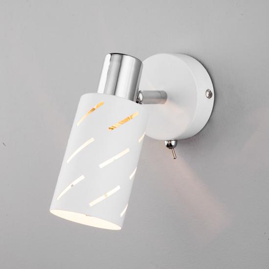 Фото №2 Настенный светильник с поворотным плафоном 20090/1 белый/хром