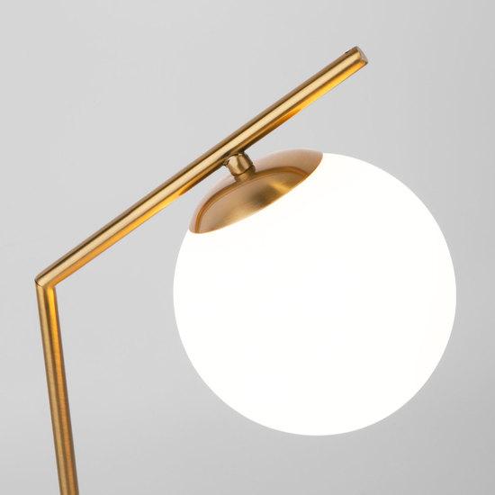 Фото №3 Настольная лампа со стеклянным плафоном 01082/1 латунь
