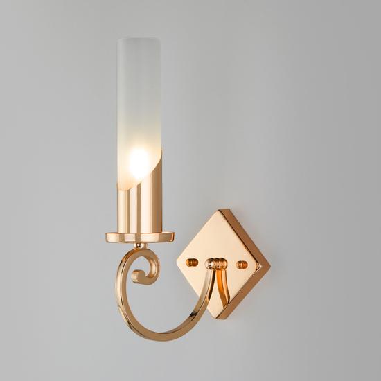 Фото №2 Классический настенный светильник 60117/1 золото
