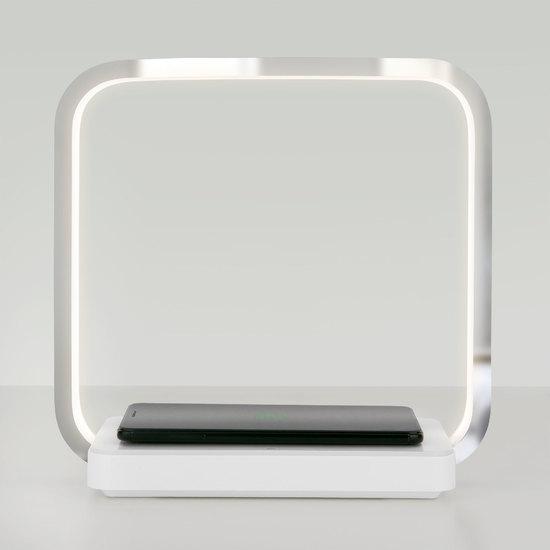 Фото №4 Светодиодная настольная лампа с беспроводной зарядкой QI 80502/1 хром