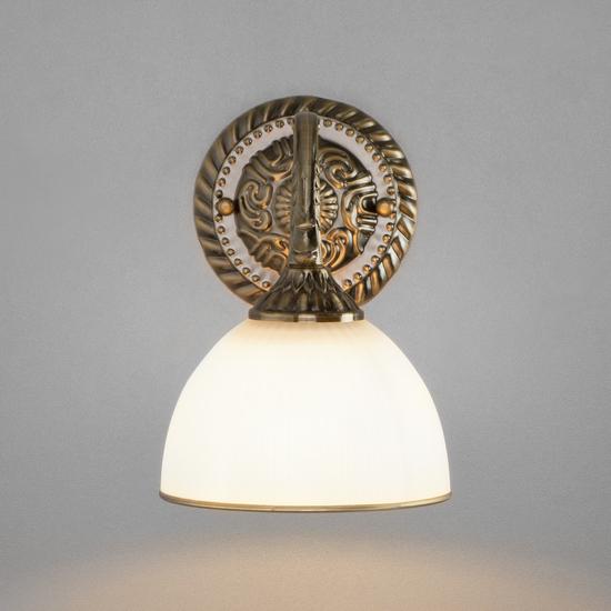 Фото №3 Классическое бра со стеклянным плафоном 60106/1 античная бронза