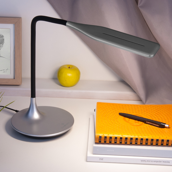 Фото №3 Светодиодная настольная лампа с сенсорным управлением 80422/1 серебристый