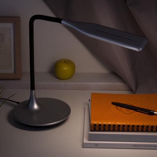 Фото №4 Светодиодная настольная лампа с сенсорным управлением 80422/1 серебристый