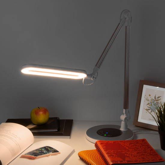 Фото №3 Светодиодная настольная лампа с сенсорным управлением 80420/1 серебристый