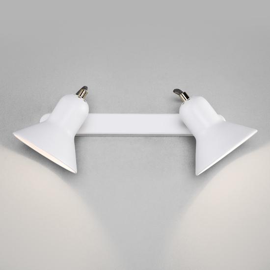 Фото №4 Настенный светильник с поворотными плафонами 20083/2 белый/золото