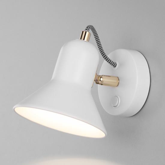 Фото №2 Настенный светильник с выключателем 20083/1 белый/золото