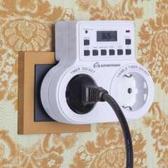 фото Розетка-таймер 16A x2 IP20 Белый TMH-E-5