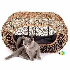 фото Лежанка-домик для кошки