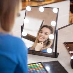 фото Профессиональное зеркало uLike Maestro для макияжа с подсветкой с холодным и тёплым светом из 9 ламп, сенсорный экран, гримёрное зеркало, GESS