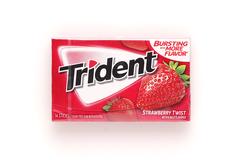 фото Жевательная резинка Trident Strawberry